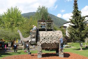 Ein Elefant in Südtirol? Die Kinder sind ihm auf der Spur!