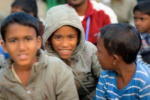 Ein Tag im Schutzhaus in Bangladesch: Ein Stück zum Glück! [Sponsored Video]